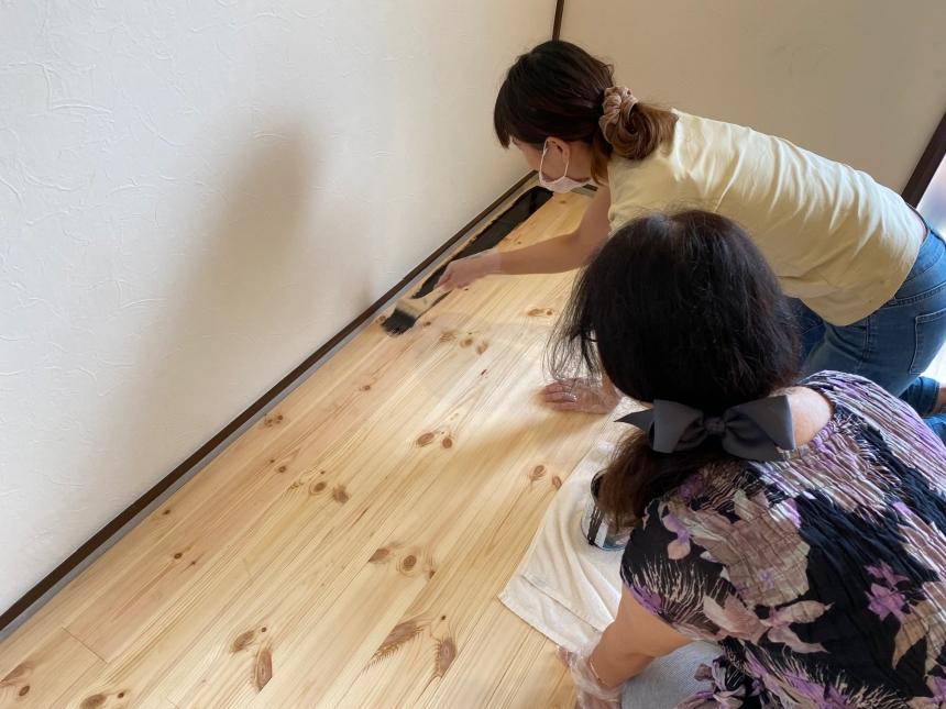【出張DIYサポート】 床塗りDIY作業